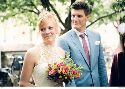 Een lichtblauw trouwpak