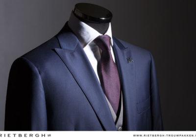 donkerblauw trouwpak
