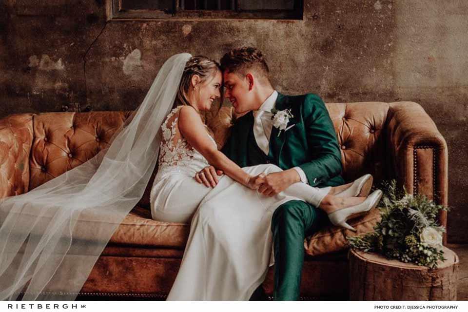 Ruud Zoon in een trouwpak van Rietbergh